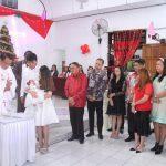 Selain Beribadah Bersama di GMIM Zaitun Talikuran Remboken, Bupati ROR Jadi Saksi Baptisan